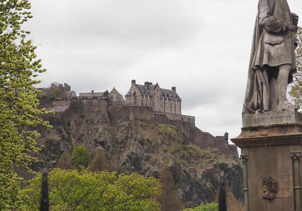 City Escape to Edinburgh Castle