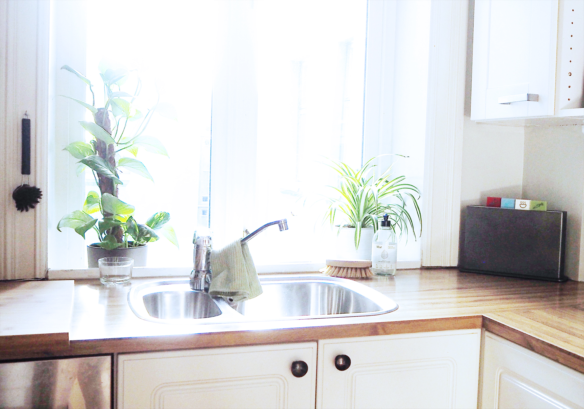 How to create a minimalist kitchen | Simplisticly So